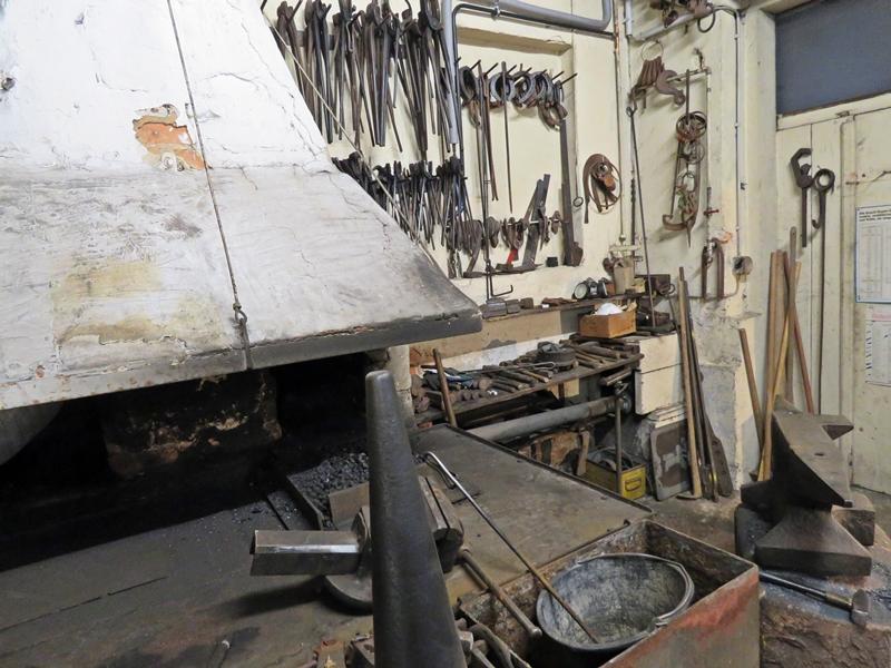 Parisers Schmiede Shop Museum Ambos und Ofen